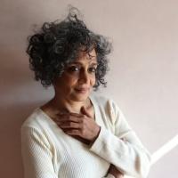"""Arundhati Roy: """"Edebiyat sığınağımız. Ona ihtiyacımız var."""""""