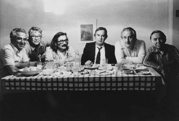 Sami Karaören, Lütfi Özkök, Halil İbrahim Bahar, Sabahattin Kudret Aksal, Oktay Akbal ve Behçet Necatigil. 76