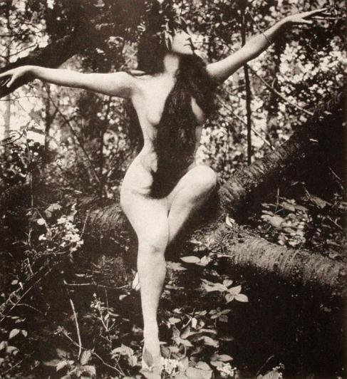 Annette_Kellerman-A-Daughter-of-the-Gods-1916