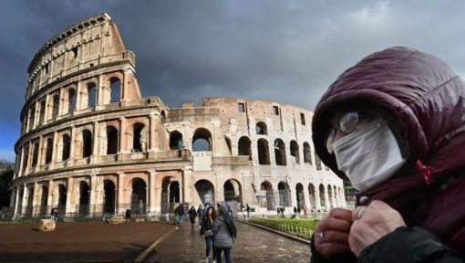 TOPSHOT-ITALY-HEALTH-VIRUS-TORUISM