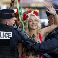 """FEMEN lideri İnna Shevchenko yazdı: """"Bütün Kadınlar Kahramandır"""""""